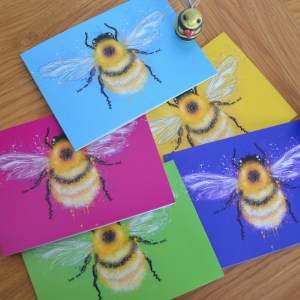 Colourful bumble bee greetings card set
