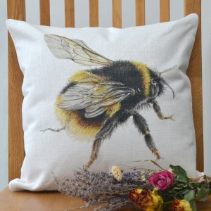 Bumble Bee Bees wings linen cushion