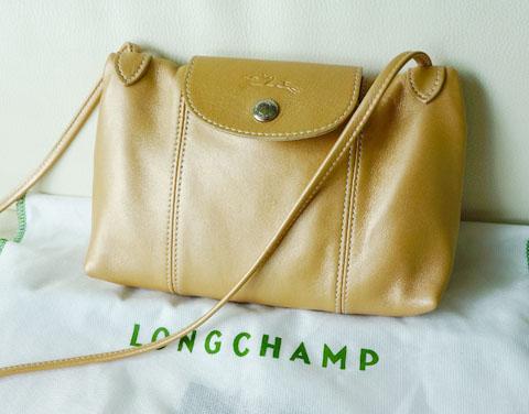 LongchampCrossbody02