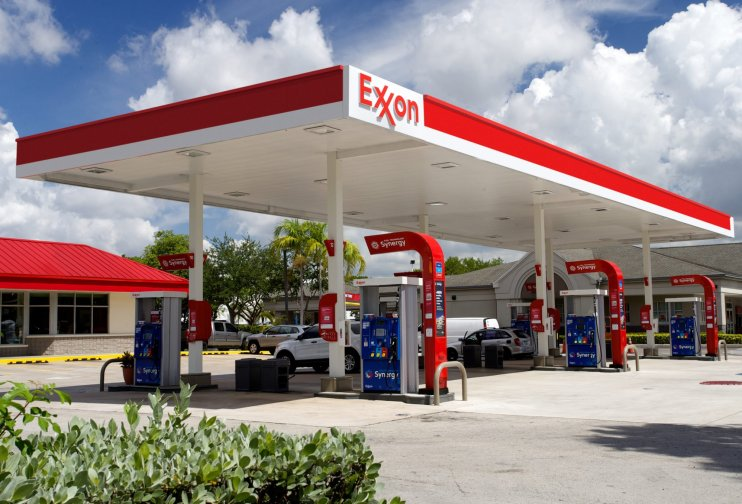 Exxon gas station with Synergy branding