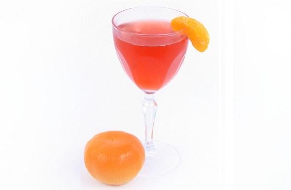 Amaretto Cranberry Kiss cocktail