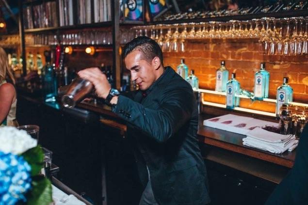 dallas bartender jorge herrera