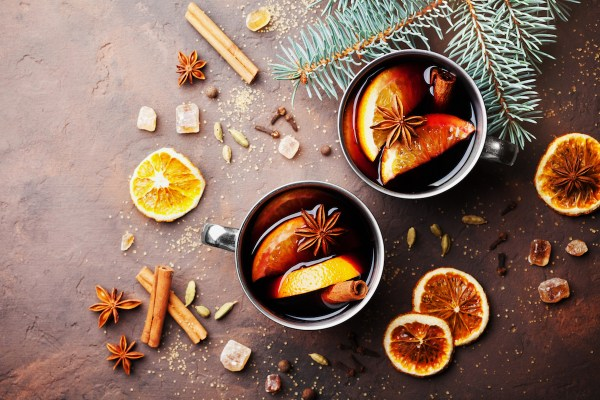 15 Holiday Cocktails for Festive Winter Drinking