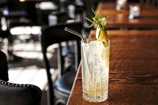 The Best Tonic for G&Ts, According to Bartenders