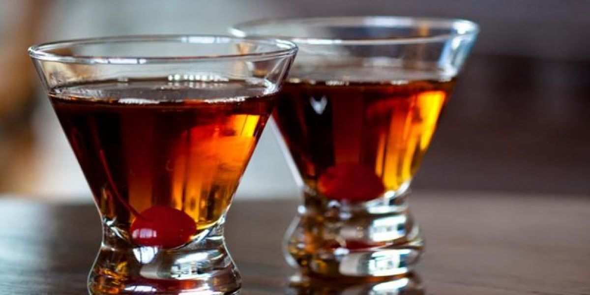13 MouthWatering Manhattan Cocktail Variations  Bevvy