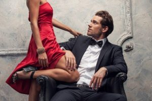 How to attract a Man with Body Language in Communication