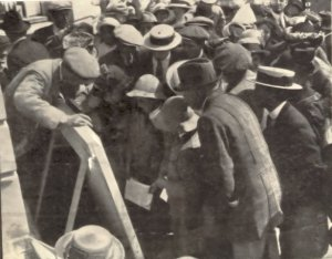 Reading War Reports, Colonnade 1914