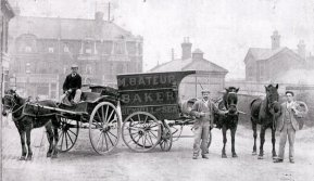 SHO-007 - Bexhill Tradesmen's carts c1900