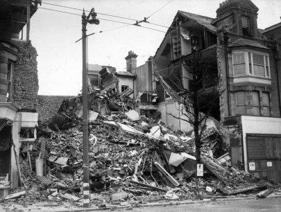SHO-021 - Observer Offices, bomb damage 9.5.1942