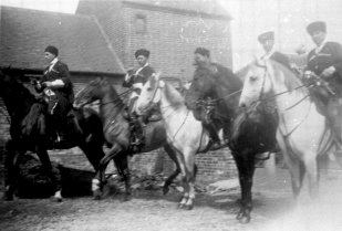 SID-030 - Cossacks at Ingrams Farm, Sidley 1930s