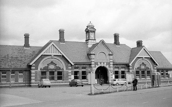 BW-026 - Bexhill West station forecourt in March 1961.