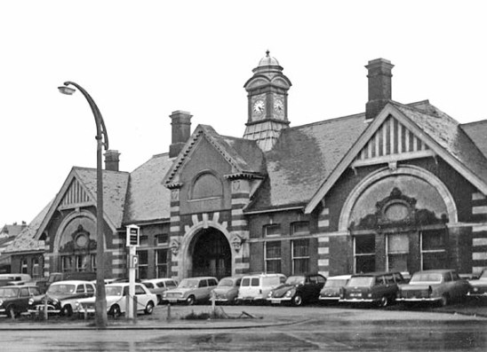 BW-063 - Bexhill West station forecourt on a wet day in May 1971.