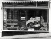 HO-060 - Mock-up in Borgeaud's bakery window