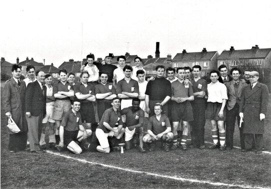 HO-067 - Football team 1950s