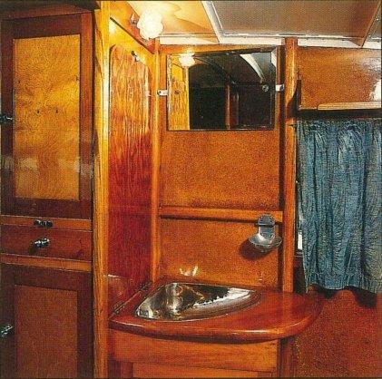RU-009 – Russell's Dunn motor home interior washing