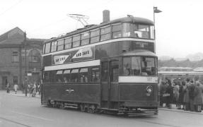 517 exLT2138, LUT353, 369 serv 18 to Crossgates 1950s