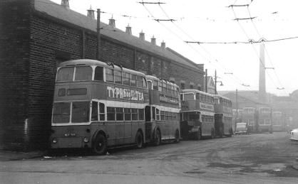 809 BDY799 + others awaiting scrapping, Thornbury 23-3-1964
