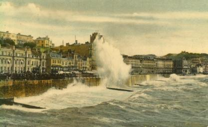 White Rock parade with wave spray from pier pc 11-11-1918