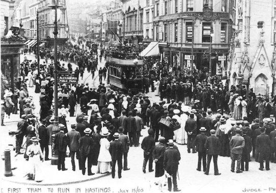 10 first tram to Memorial 15-7-1915