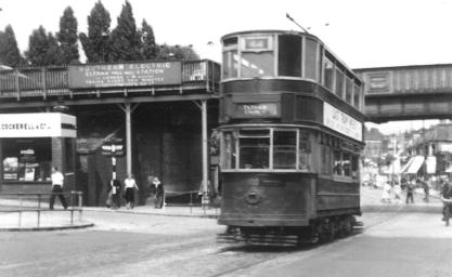 100 route 44 to Eltham Corner @ Well Hall stn 28-6-1952