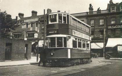 140 route 11 to Highgate @ Compton Ave, Highbury 25-7-1938