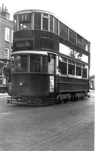 151 route 11 to Moorgate, pre-war