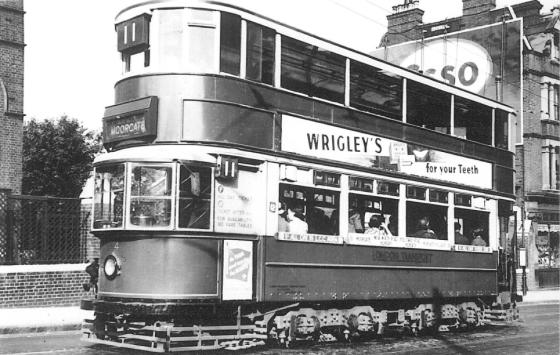 154 route 11 to Moorgate @ Highgate 19-6-1938