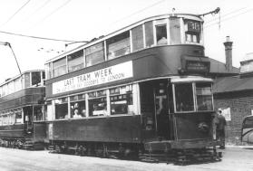 183 serv 38 to Embankment 1952