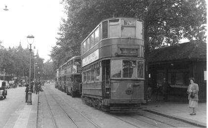 84 Abbey Wood serv @ Embankment 4-7-1952