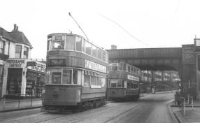97 route 44 to Middle Park Ave & 100 route 46, Eltham Well Hall stn 1952