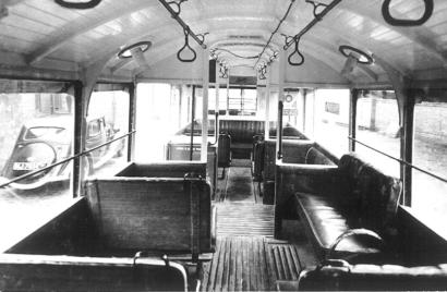 DY5576 Single-decker trolley interior