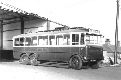 Trolley 50 DY5577 outside depot bldg 1948