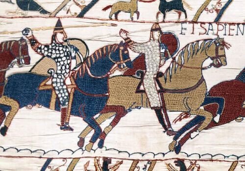 Bayeux_Tapestry_scene51_Battle_of_Hastings_Norman_knights_and_archers1
