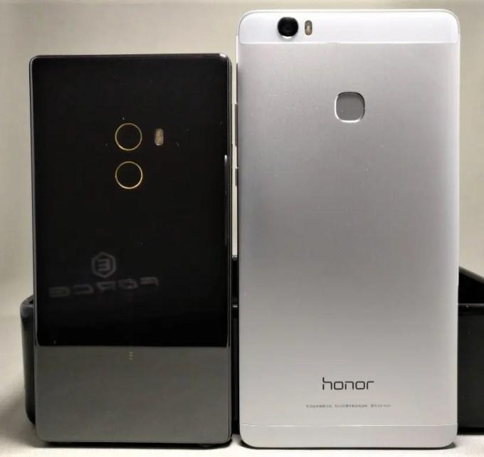 Xiaomi Mi MIXとHuawei Honor Note 8の実機サイズ