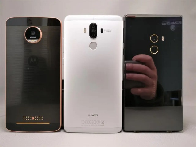 Huawei P9 Moto Z Mi MIX サイズ感