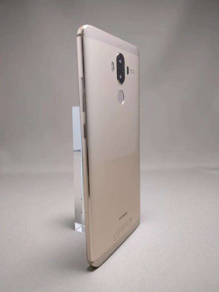 Huawei Mate 9 ゴールド 外観 裏面 2
