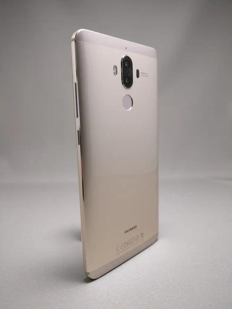 Huawei Mate 9 ゴールド 外観 裏面 3