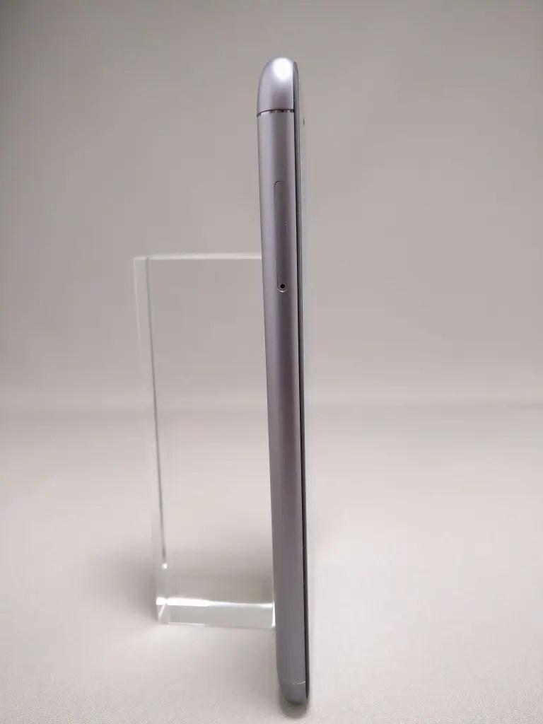 ASUS Zenfone Max 3 表 1