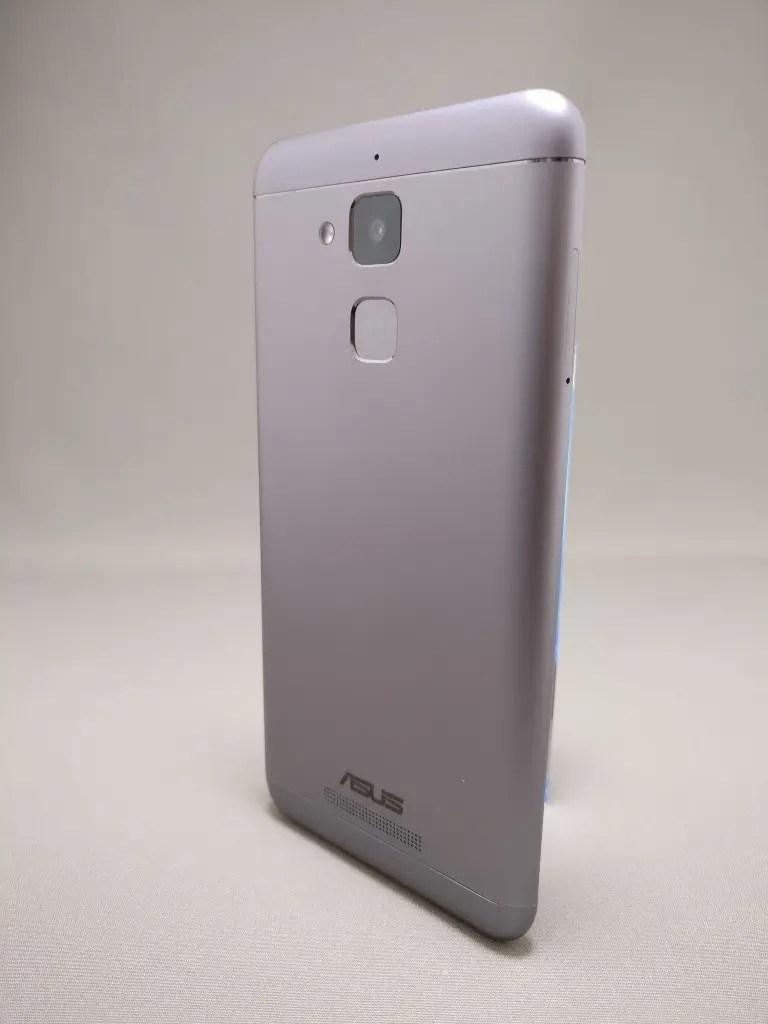ASUS Zenfone Max 3 裏 12
