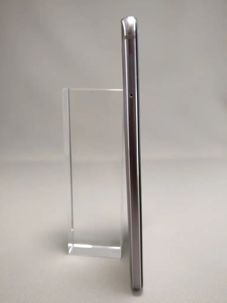 Huawei Nova 表 1