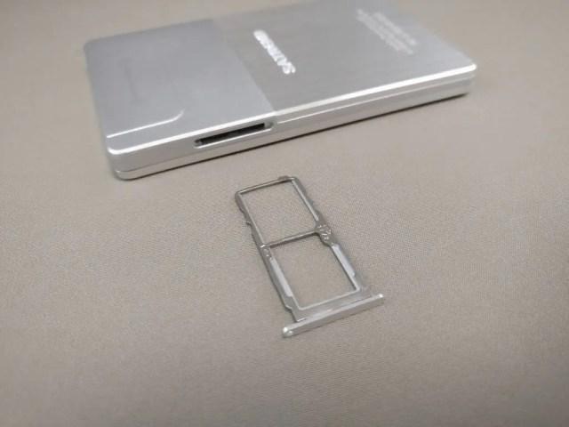 SATREND A10 GSM ミニカードフォン SIMスロット 出す