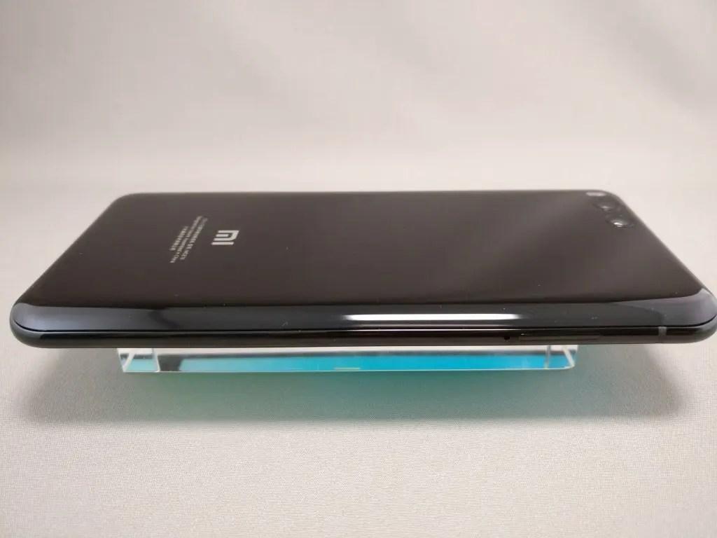 Xiaomi Mi6 側面左
