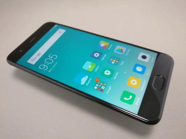Xiaomi Mi6 表 斜め左