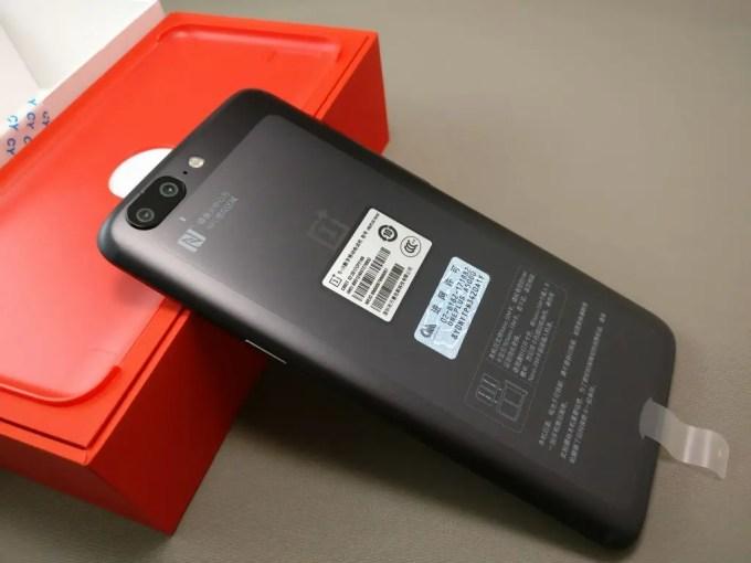 OnePlus5 開封  裏