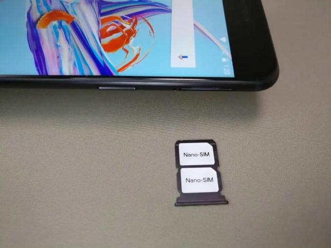 OnePlus5 SIMスロット ダミーSIM