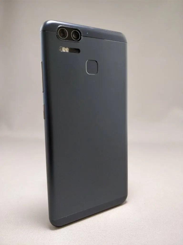 ASUS Zenfone Zoom S 裏5