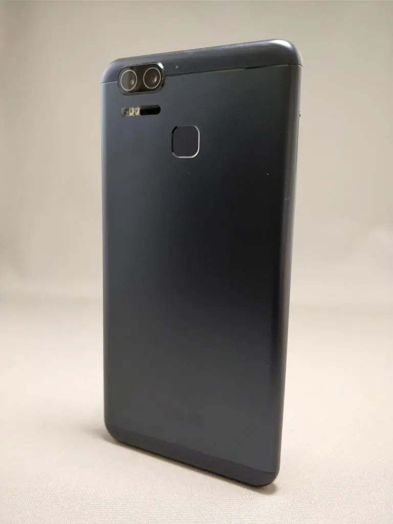 ASUS Zenfone Zoom S 裏10