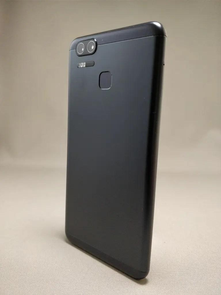 ASUS Zenfone Zoom S 裏11