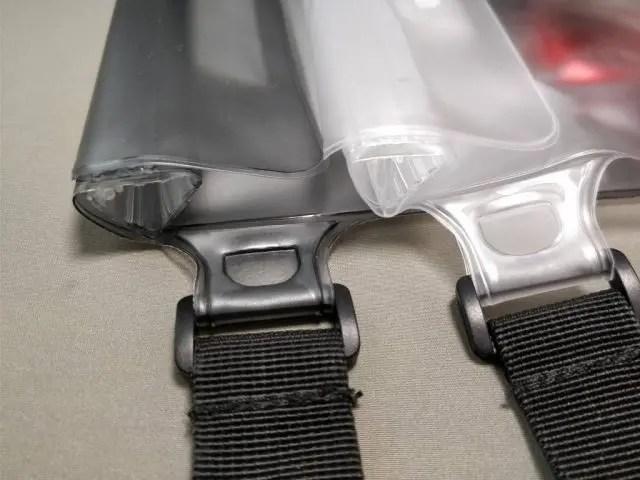 AUKEY 防水ポーチ ケース ブラックと透明 PC-T12 ジョイント部