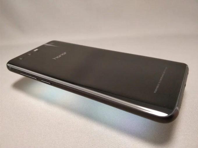Huawei Honor 9 裏 斜め